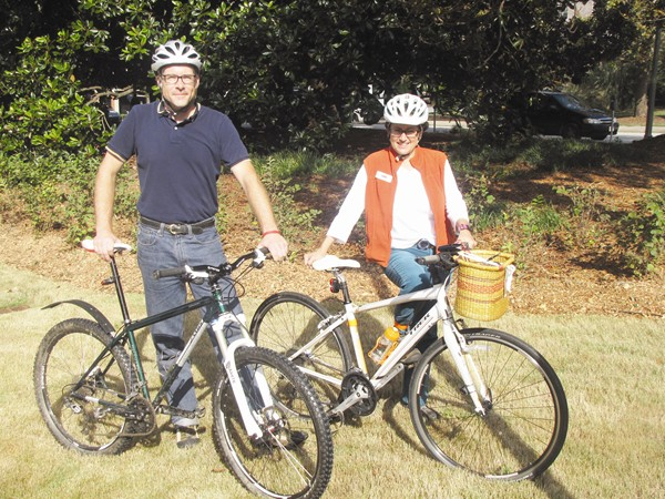 From left, Paul Lantinga of Decatur Bikes and Tracie Sanchez of Decatur Active Living are part of a team participating in the metro Atlanta Bike to Work challenge. Photos by Andrew Cauthen