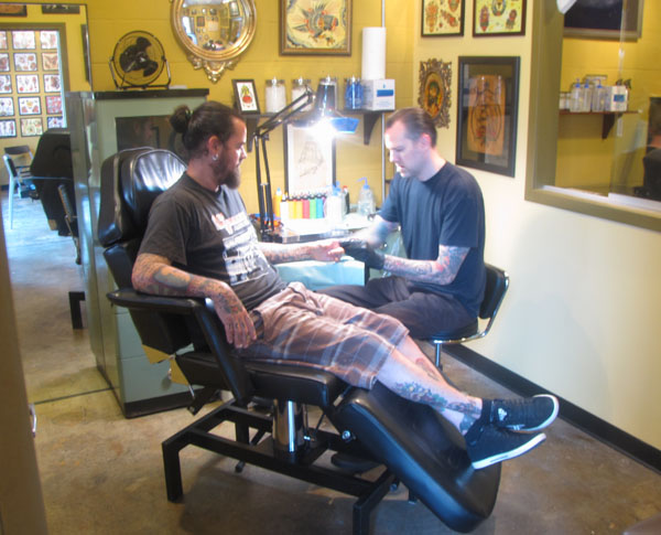 Inking in decatur for Dekalb tattoo company
