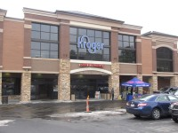 Kroger officials and Brookhaven elected officials cut the ribbon on the newly renovated Kroger located on Peachtree Road in Brookhaven.